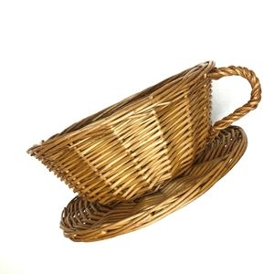 VINTAGE Woven Wicker Tea Cup Basket